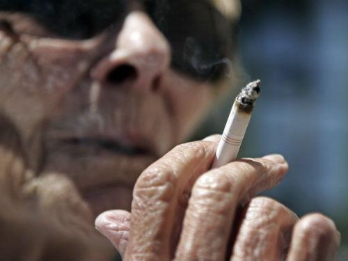 Курящий дед