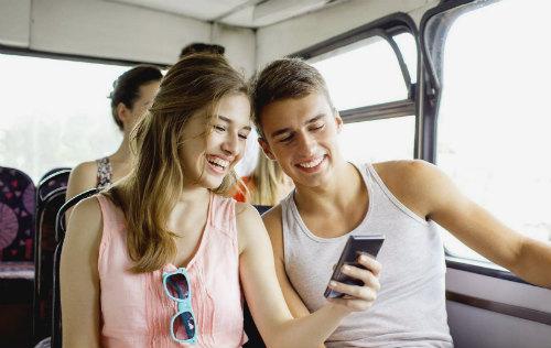 Пара в автобусе