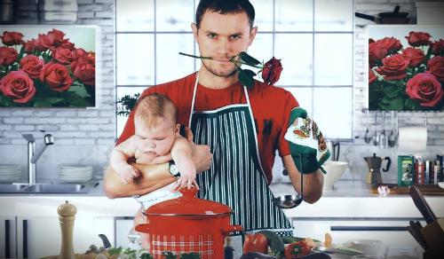 мужчина на кухне готовит еду