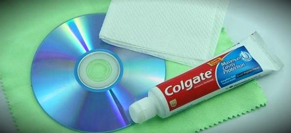 диск и зубная паста