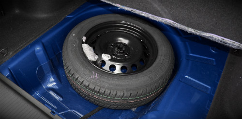 запаска в багажнике